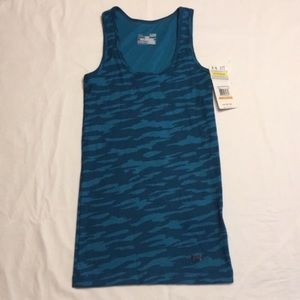 Under Armour fitted tank top